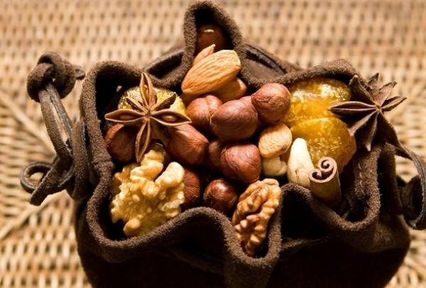 月經期快來臨時一定要吃「巧克力」?!告別經前症候群,五大飲食...