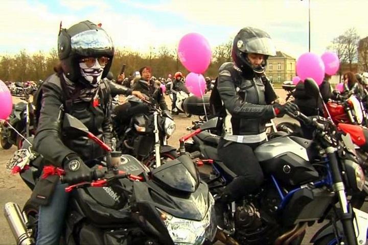 扭轉刻板印象!法國女重機騎士上街遊行爭性別平權LIFE生...