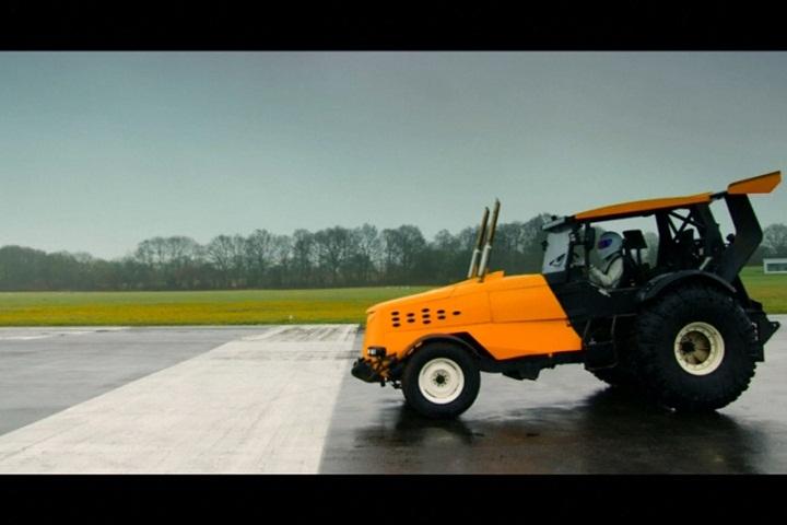 拖拉機也能飆車!時速145公里破世界紀錄...