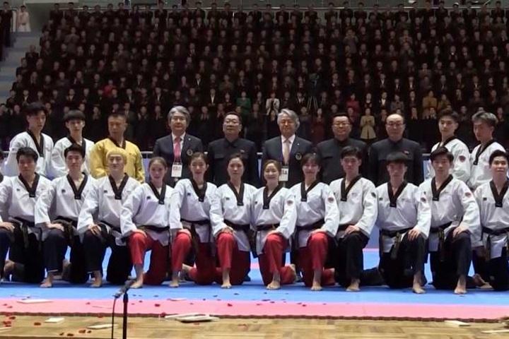 時隔16年!南韓跆拳道示範團平壤演出...