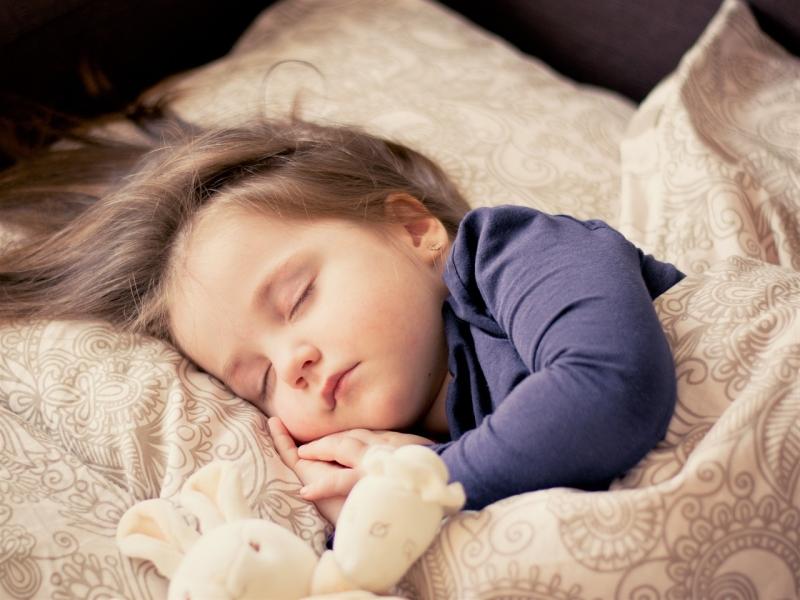 到底要睡多少時間才夠?名醫江秉穎:「睡眠時間的長短」取決於這...
