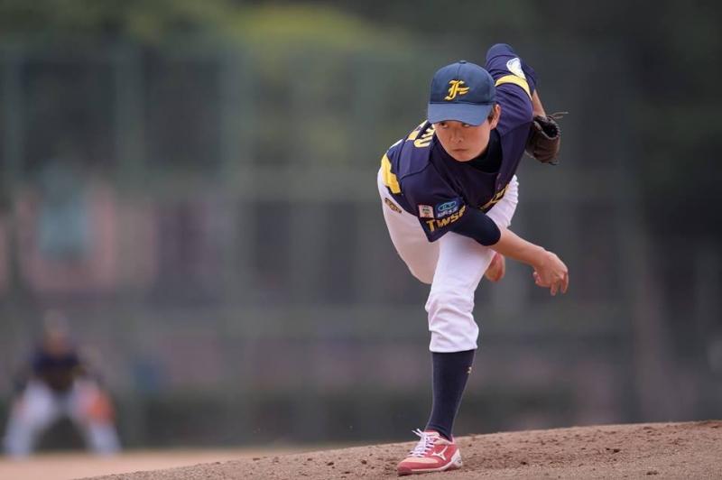 用「愛棒球」說同樣的語言—赴日女子棒球選手朱念屏,最佳國民外...